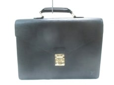 LOUIS VUITTON(ルイヴィトン)のセルヴィエット・アンバサダーのビジネスバッグ