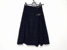 クリードのスカート