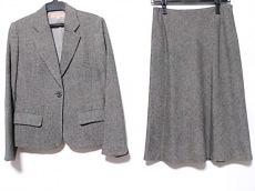 SunaUna(スーナウーナ)のスカートスーツ