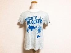 and wander(アンドワンダー)のTシャツ