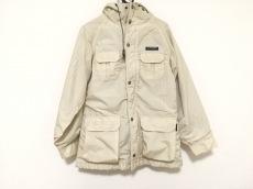 セダークレストのコート