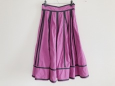 Velnica(ヴェルニカ)のスカート