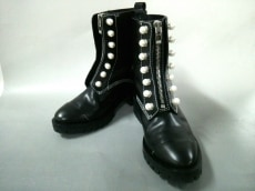 3.1 Phillip lim(スリーワンフィリップリム)のHayett Lug Sole Zipper Boot With Pearl
