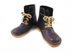 ダックフィートのブーツ