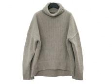 ケイ シラハタのセーター