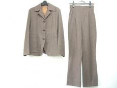 ジリのレディースパンツスーツ