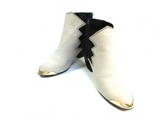 キャセリーニのブーツ