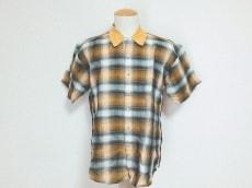 サンのシャツ