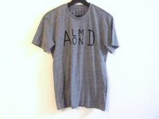 アーモンドのTシャツ