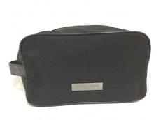 ジョルジオアルマーニパフュームのセカンドバッグ