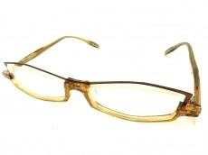 レスザンヒューマンのサングラス