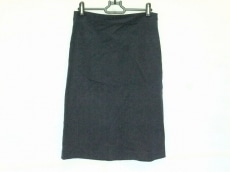クタヤのスカート