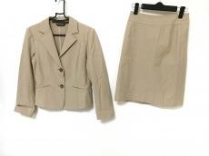 ジオスポーツのスカートスーツ