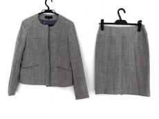 アツロウタヤマのスカートスーツ
