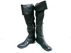 ハウスオブハーロウのブーツ