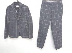 エルエイチピーのレディースパンツスーツ
