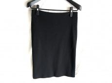 ウンガロフューシャのスカート