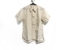 アナクロノームのシャツ