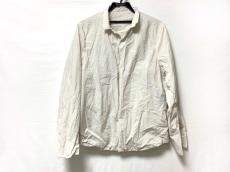 テアトラのシャツ