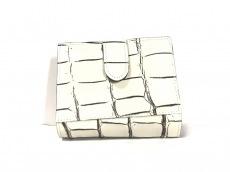 クロワロワイヤルの2つ折り財布
