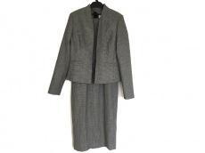 エルケーベネットのワンピーススーツ