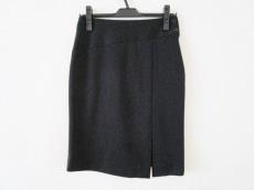 モモデザインのスカート
