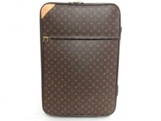 LOUIS VUITTON(ルイヴィトン)のペガス65のキャリーバッグ