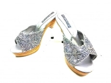 アッシュ&ダイヤモンドのサンダル