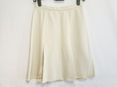 アダムジョーンズのスカート