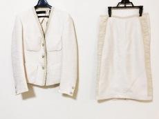 DONNAKARAN(ダナキャラン)のスカートスーツ