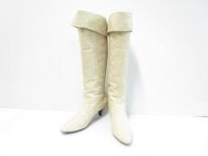 ルージュヴィフのブーツ