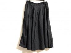 Le pivot(ルピボット)のスカート