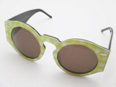 オープニングセレモニーのサングラス