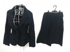 クリュドリィのスカートスーツ