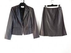 エスプリミュールのスカートスーツ