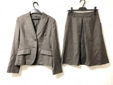 マイケルコースのスカートスーツ