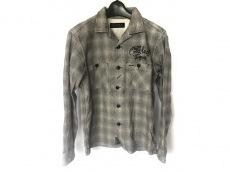 コールブラックのシャツ