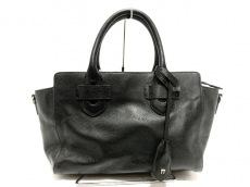 ティラマーチのハンドバッグ