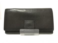 フォクシーの長財布