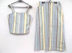 キッドブルーのスカートセットアップ