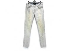 スタンプドのジーンズ