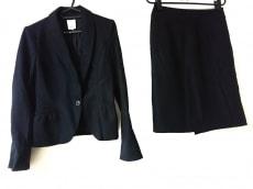 マトリーチェのスカートスーツ