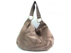 カシェリエのショルダーバッグ