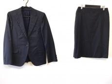 ラピスルーチェビームスのスカートスーツ