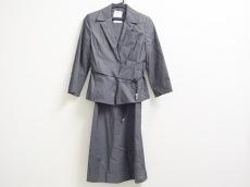 組曲 KUMIKYOKU(クミキョク)のワンピーススーツ