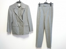 セリーヌのレディースパンツスーツ