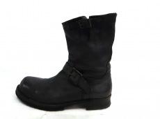 nil admirari(ニルアドミラリ)のブーツ