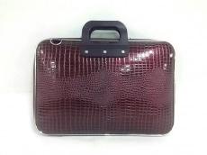 ボンバータのビジネスバッグ