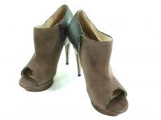 Nicholas Kirkwood(ニコラスカークウッド)のブーツ