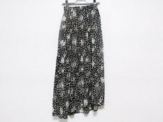 ルームサンマルロク コンテンポラリーのスカート